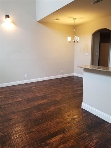 3 Bedrooms, Arlington Heights Rental in Dallas for $2,050 - Photo 2