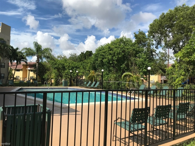 2 Bedrooms, Royalton on The Green Rental in Miami, FL for $1,650 - Photo 1