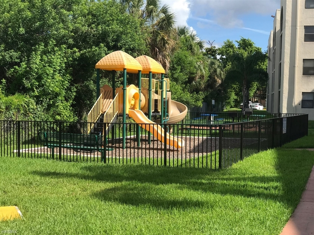 2 Bedrooms, Royalton on The Green Rental in Miami, FL for $1,650 - Photo 2