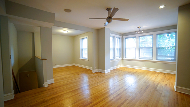 3 Bedrooms, Ravenswood Rental in Chicago, IL for $2,500 - Photo 2