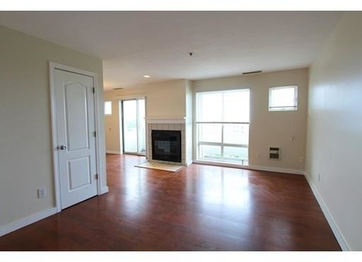 2 Bedrooms, South Quincy Rental in Boston, MA for $1,950 - Photo 2