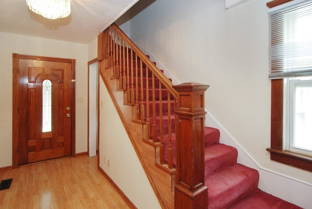 3 Bedrooms, Oak Park Rental in Chicago, IL for $2,600 - Photo 2