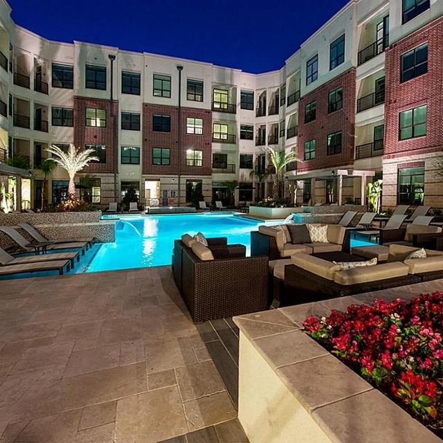 2 Bedrooms, Uptown-Galleria Rental in Houston for $2,941 - Photo 2