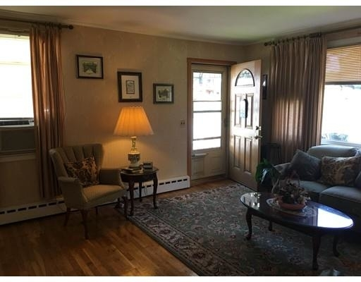 2 Bedrooms, Bank Square Rental in Boston, MA for $2,300 - Photo 2