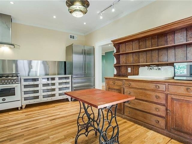 3 Bedrooms, North Oaklawn Rental in Dallas for $3,400 - Photo 1