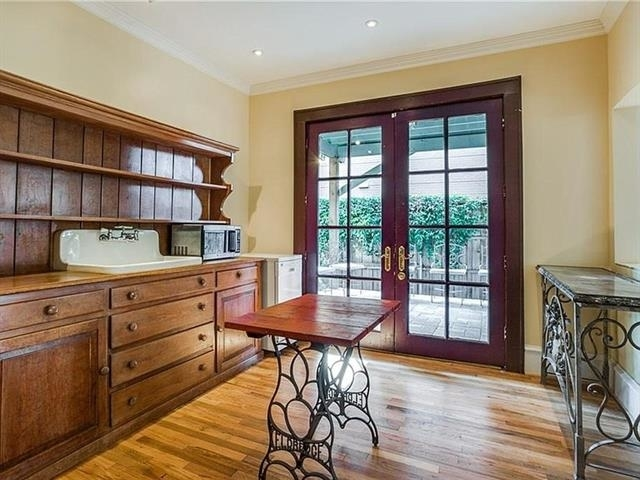 3 Bedrooms, North Oaklawn Rental in Dallas for $3,400 - Photo 2