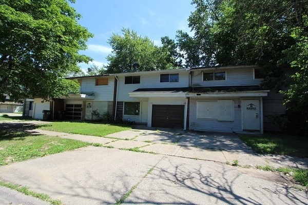 3 Bedrooms, Riverdale Rental in Chicago, IL for $1,200 - Photo 2
