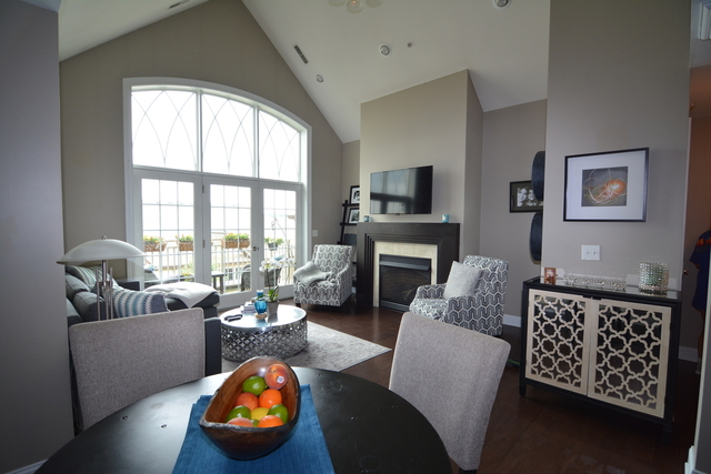 2 Bedrooms, St. Charles Rental in Chicago, IL for $2,200 - Photo 2