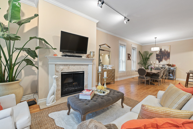 3 Bedrooms, Ranch Triangle Rental in Chicago, IL for $3,800 - Photo 2