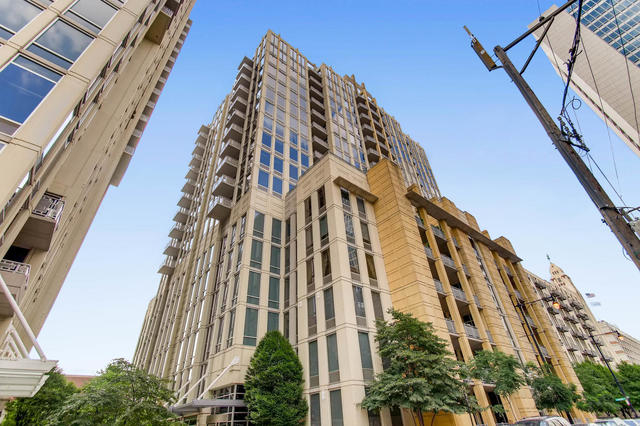 2 Bedrooms, River North Rental in Chicago, IL for $2,950 - Photo 1