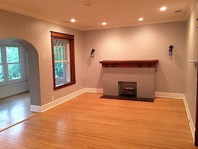 2 Bedrooms, Magnolia Glen Rental in Chicago, IL for $1,750 - Photo 2