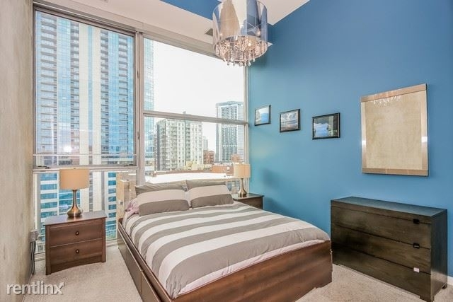 3 Bedrooms, River North Rental in Chicago, IL for $4,500 - Photo 2