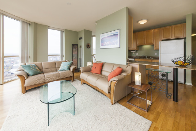 2 Bedrooms, River North Rental in Chicago, IL for $2,950 - Photo 2