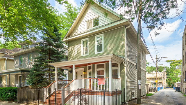 3 Bedrooms, Edgewater Rental in Chicago, IL for $2,995 - Photo 1