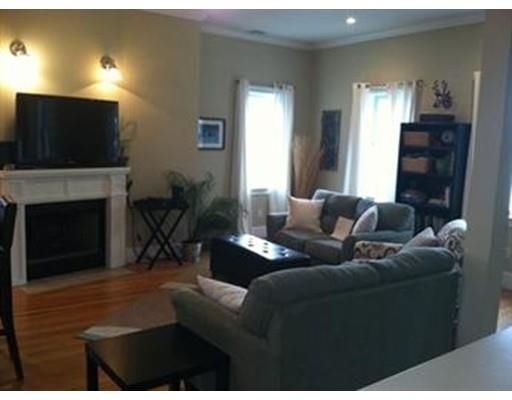 2 Bedrooms, Thompson Square - Bunker Hill Rental in Boston, MA for $3,100 - Photo 2