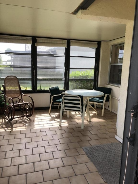 2 Bedrooms, Cypress Lakes Rental in Miami, FL for $1,800 - Photo 2