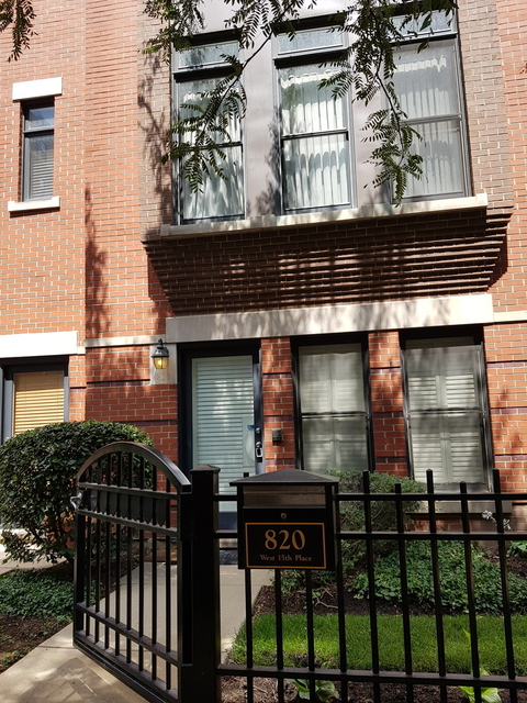 2 Bedrooms, University Village - Little Italy Rental in Chicago, IL for $2,500 - Photo 1