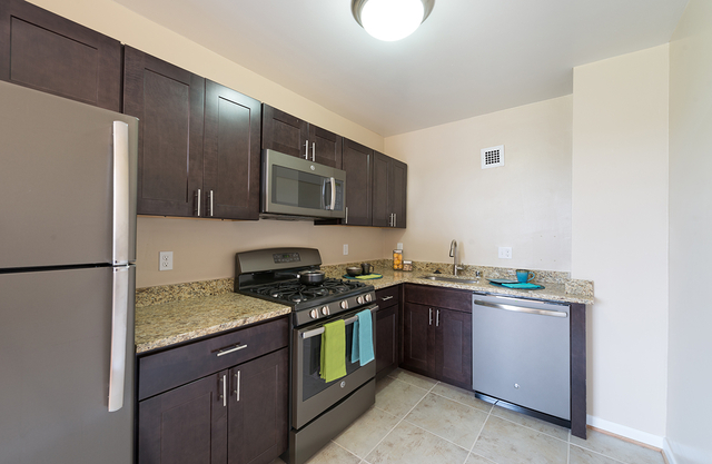 2 Bedrooms, Woodley Park Rental in Washington, DC for $2,517 - Photo 1