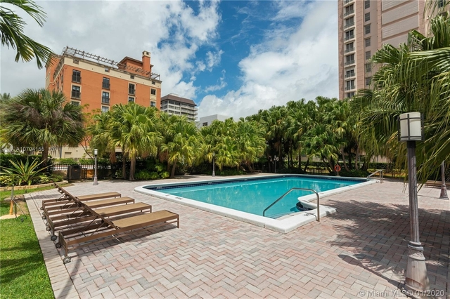 3 Bedrooms, Coral Gables Rental in Miami, FL for $2,450 - Photo 2
