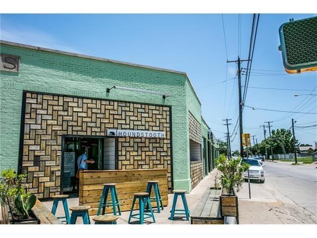 2 Bedrooms, Henderson Rental in Dallas for $2,004 - Photo 1