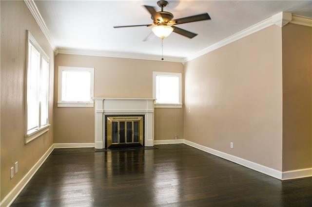 2 Bedrooms, Oakhurst Rental in Dallas for $1,495 - Photo 2
