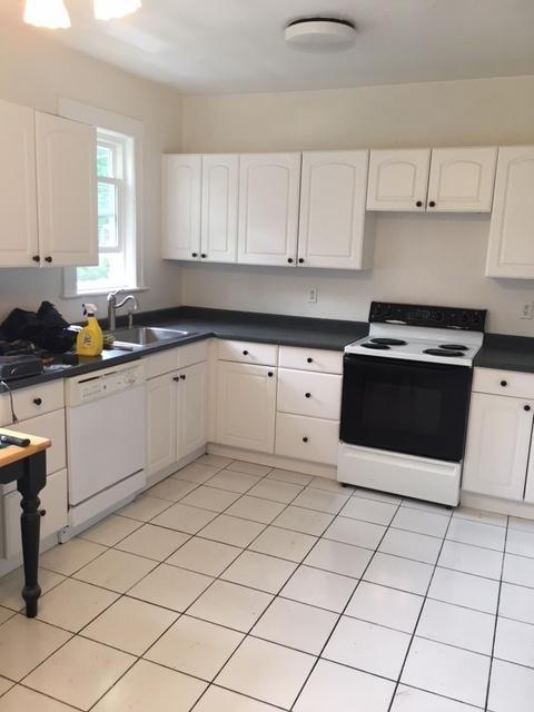 6 Bedrooms, Chestnut Hill Rental in Boston, MA for $4,950 - Photo 2