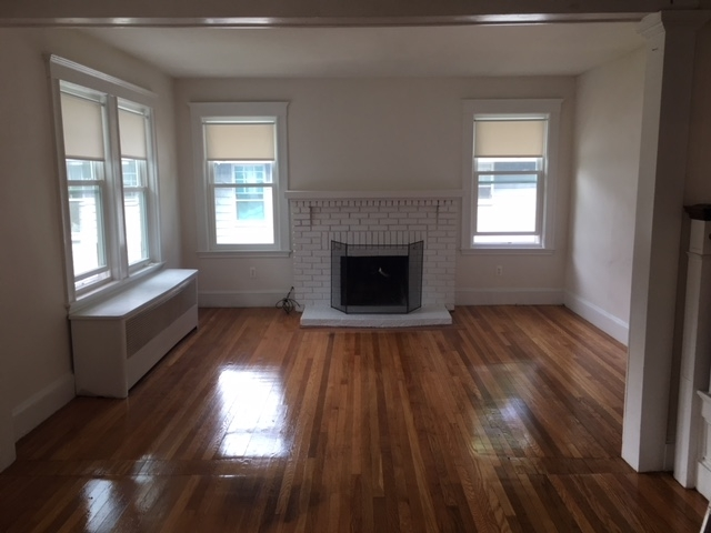 6 Bedrooms, Chestnut Hill Rental in Boston, MA for $4,950 - Photo 1