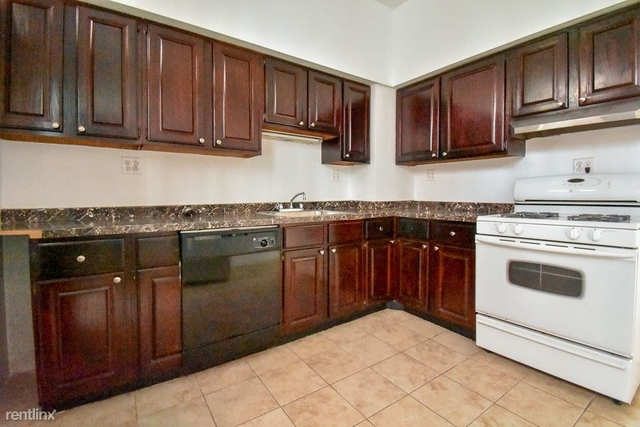 3 Bedrooms, Lake View East Rental in Chicago, IL for $2,095 - Photo 2