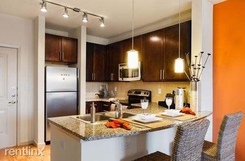 2 Bedrooms, Midtown Rental in Houston for $1,524 - Photo 1