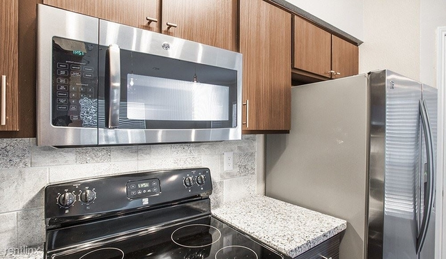 2 Bedrooms, Plaza Del Oro Townhome Rental in Houston for $1,612 - Photo 2