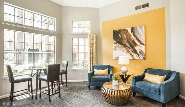 2 Bedrooms, Plaza Del Oro Townhome Rental in Houston for $1,612 - Photo 1