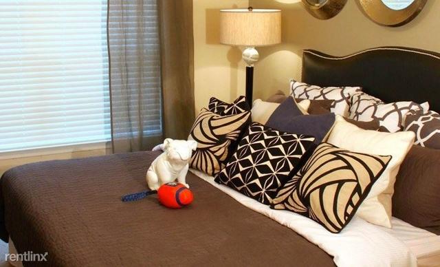 2 Bedrooms, Memorial Heights Rental in Houston for $1,637 - Photo 2