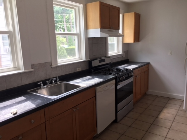 4 Bedrooms, Chestnut Hill Rental in Boston, MA for $3,950 - Photo 2