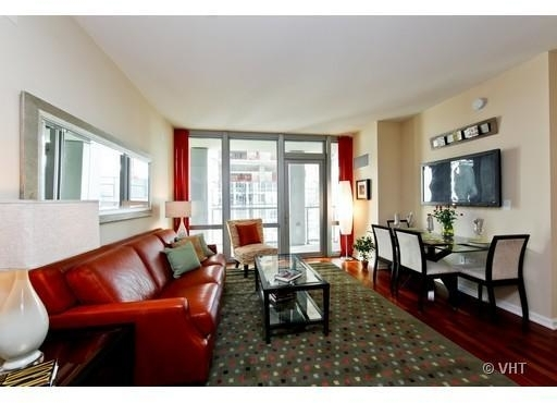 2 Bedrooms, Magnificent Mile Rental in Chicago, IL for $2,750 - Photo 2