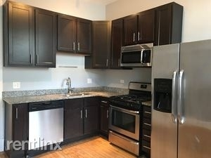 4 Bedrooms, Lakeview Rental in Chicago, IL for $2,500 - Photo 2