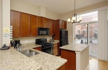3 Bedrooms, Old Town Rental in Chicago, IL for $3,000 - Photo 2