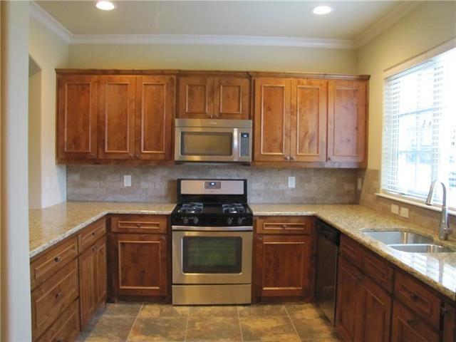 3 Bedrooms, Monticello Rental in Dallas for $2,795 - Photo 2