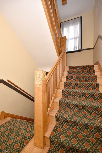3 Bedrooms, Ravenswood Rental in Chicago, IL for $1,995 - Photo 2