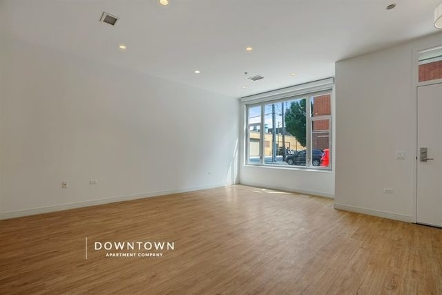 3 Bedrooms, River West Rental in Chicago, IL for $6,700 - Photo 2