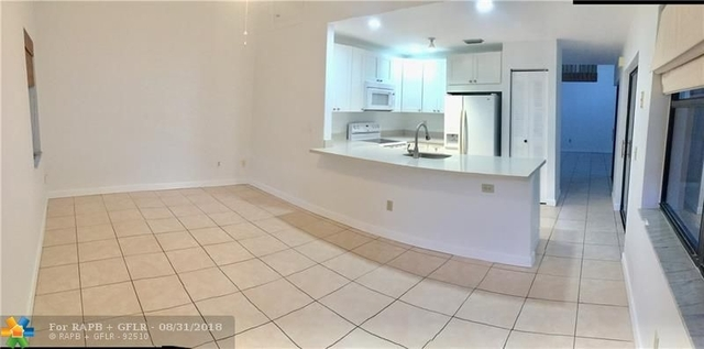 3 Bedrooms, Falcon's Lea Rental in Miami, FL for $2,500 - Photo 2