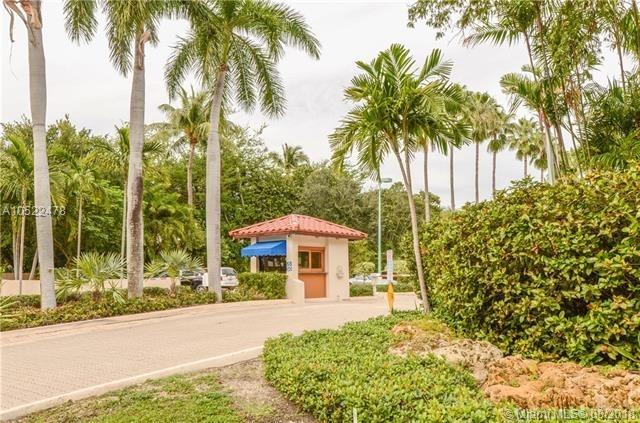 2 Bedrooms, Village of Key Biscayne Rental in Miami, FL for $3,100 - Photo 2