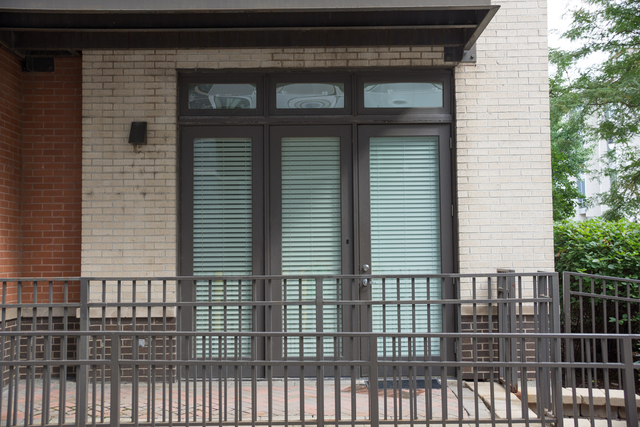 2 Bedrooms, Goose Island Rental in Chicago, IL for $2,000 - Photo 2