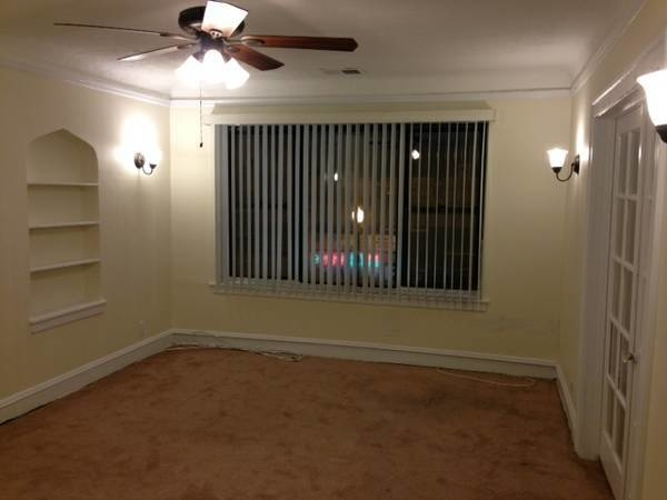 3 Bedrooms, North Park Rental in Chicago, IL for $1,350 - Photo 2