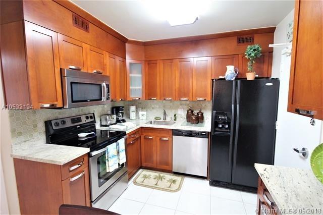 2 Bedrooms, Oceanfront Rental in Miami, FL for $3,800 - Photo 2