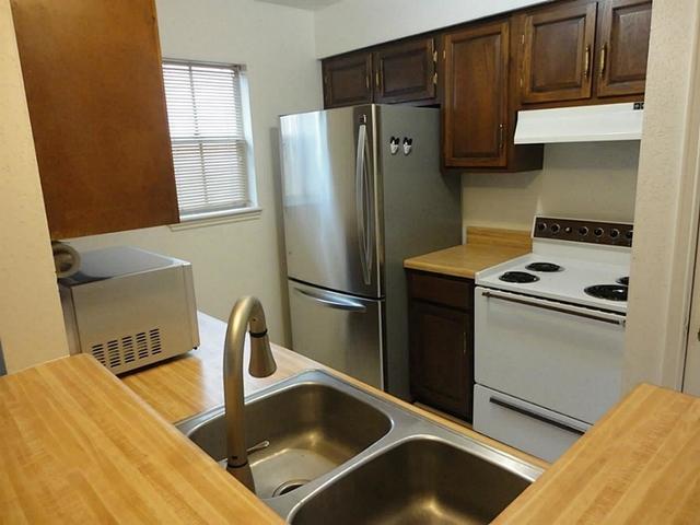 1 Bedroom, Walnut Bend Rental in Houston for $950 - Photo 2