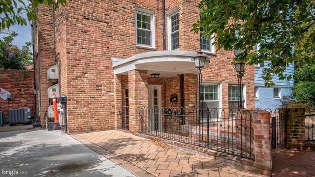 2 Bedrooms, Foggy Bottom Rental in Washington, DC for $3,000 - Photo 2