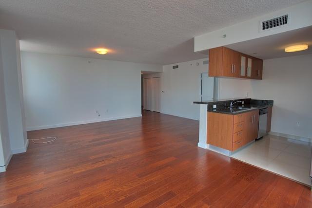3 Bedrooms, Shorelawn Rental in Miami, FL for $2,500 - Photo 2