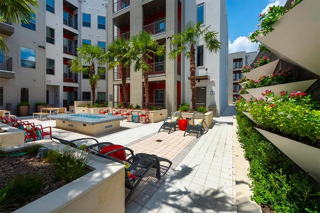 2 Bedrooms, Rossmoyne Rental in Houston for $2,434 - Photo 1