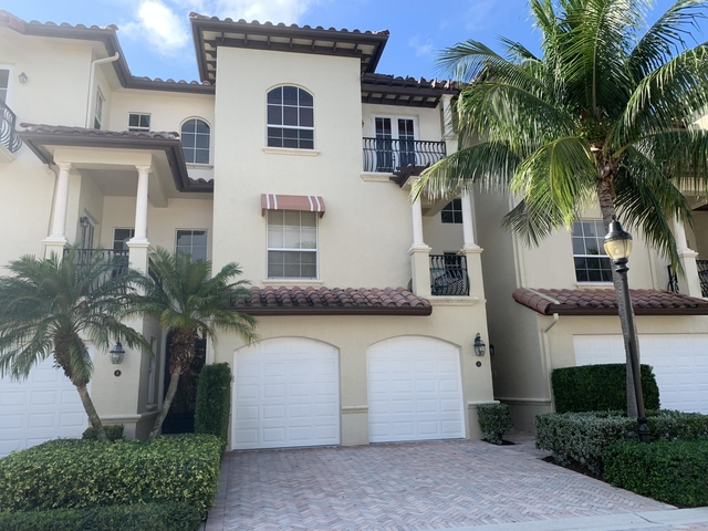 3 Bedrooms, Marina Gardens Rental in Miami, FL for $7,500 - Photo 2