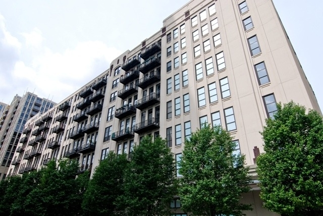 2 Bedrooms, River North Rental in Chicago, IL for $2,300 - Photo 1